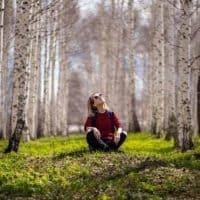 naturopathe-sondage-meditation-foret
